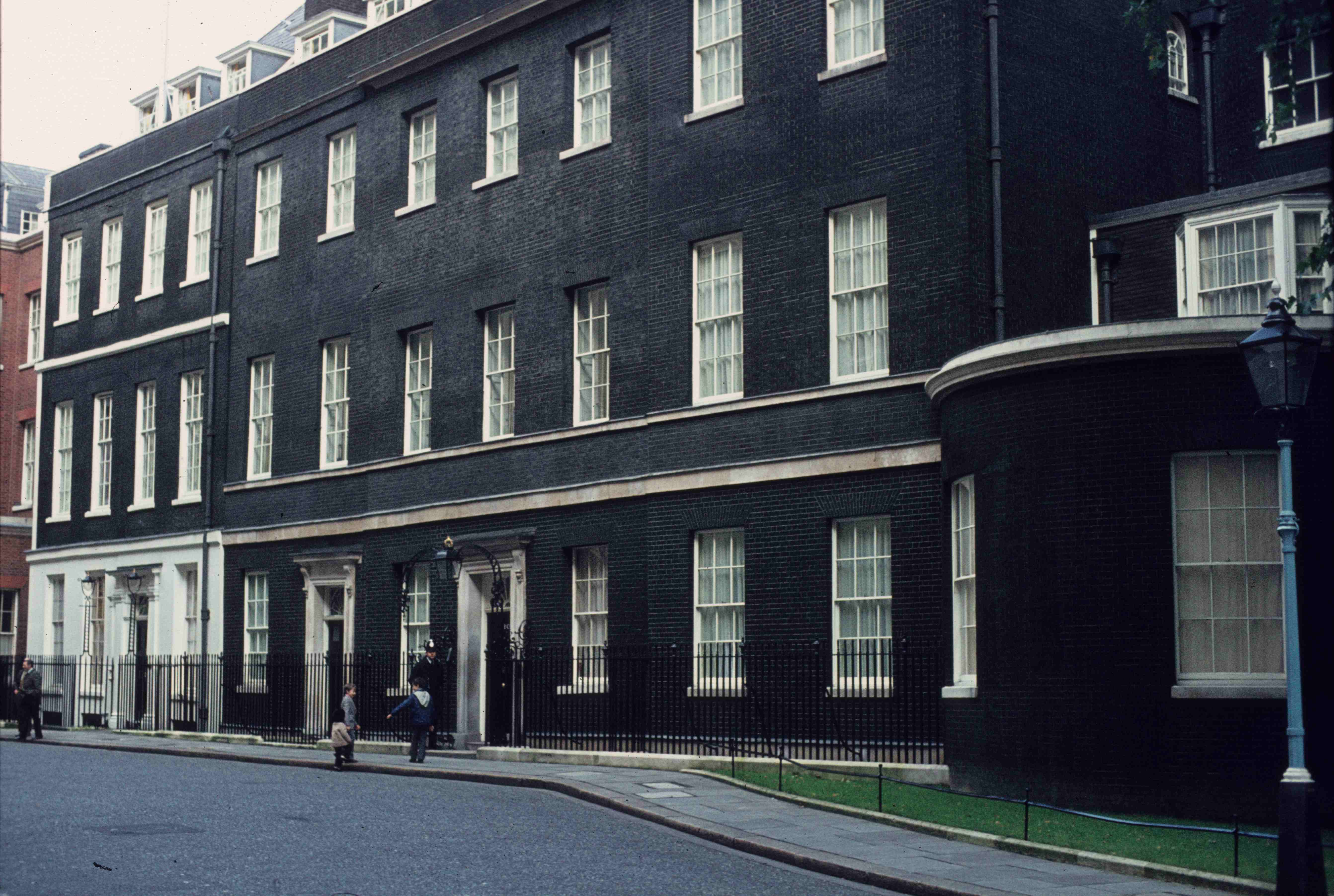 wandering around london dec 74 part 2 the lexicans. Black Bedroom Furniture Sets. Home Design Ideas