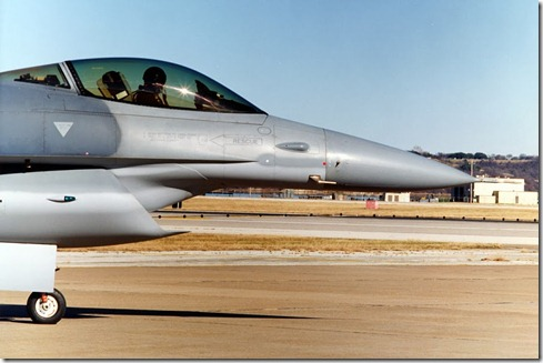 F-16 Fighting Falcon Fighter Jet With Diverterless Supersonic Inlet  (DSI) (3)