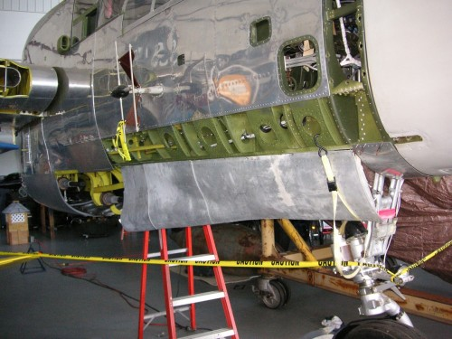 The right nose landing gear of the MAAM's P-61B