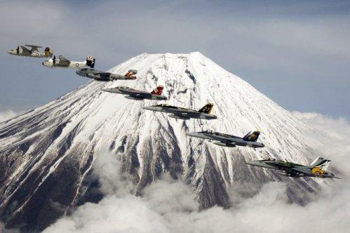 Foward Deployed Plane Pr0n
